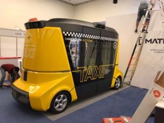 Оклейка плёной и брендирование прототипа российского автономного такси «MATRESHKA CITY CAB»