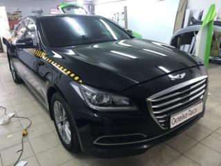 Брендирование премиального «Hyundai Genesis» для работы в такси